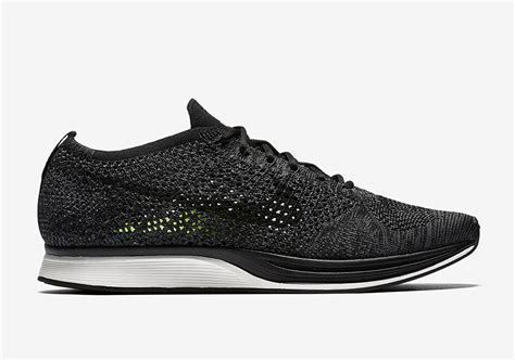 Sepatu Nike Flyknit Racer All White nike flyknit racer blackout 526628 005 sneakernews