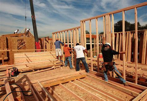 building a house average home size sets new record tribunedigital chicagotribune