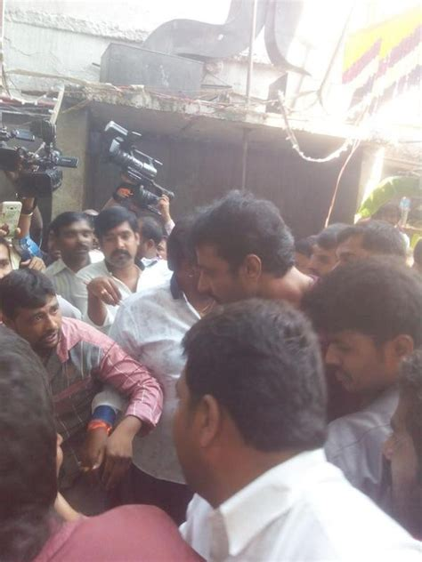 biography of kannada film actor darshan challenging star darshan visits annamma temple photos