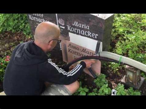 Beschriftung Grabstein by Grabstein Beschriften Auf Dem Friedhof