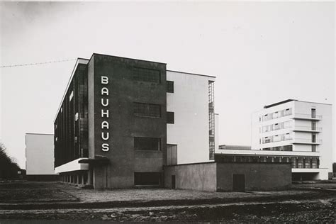 walter gropius architektur the influence of bauhaus architecture widewalls