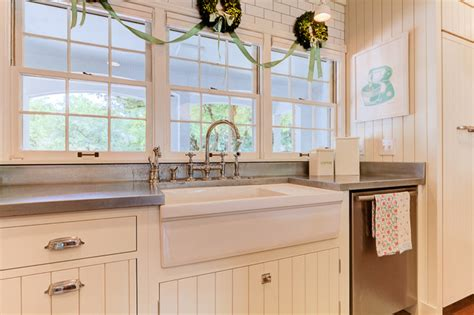 1940s farmhouse in the city shabbychic style kitchen