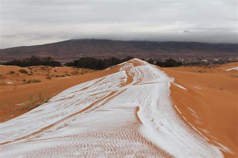 snow in sahara desert it actually snowed in the sahara desert and the photos are