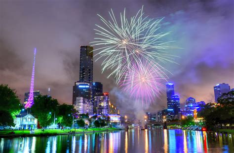 new year celebration melbourne 2016 file diwali fireworks melbourne australia 2013 jpg