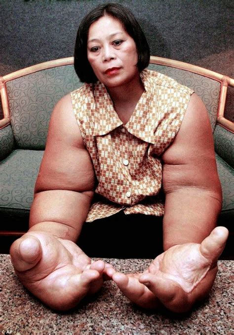 world bigest female virgina the woman with the world s biggest hands ozara gossip