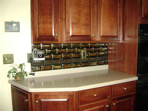stacked tile kitchen backsplash