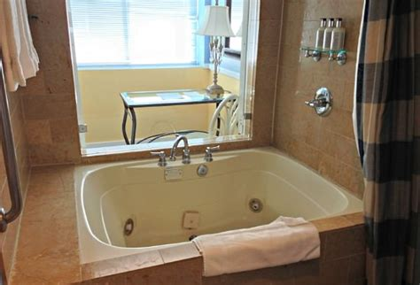 hotel rooms with bathtubs california jacuzzi 174 suites in room hot tubs la napa