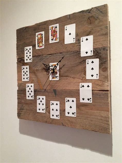 best 20 wooden clock ideas on pinterest wood clocks orologi da parete realizzati con pallet 20 idee creative