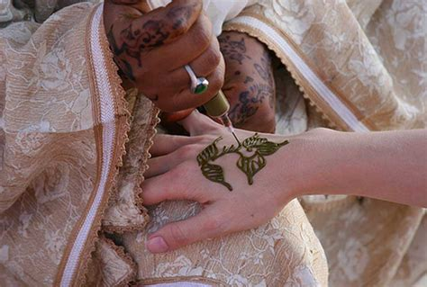 henna tattoos mobile al henna tattoos the of painting on the and