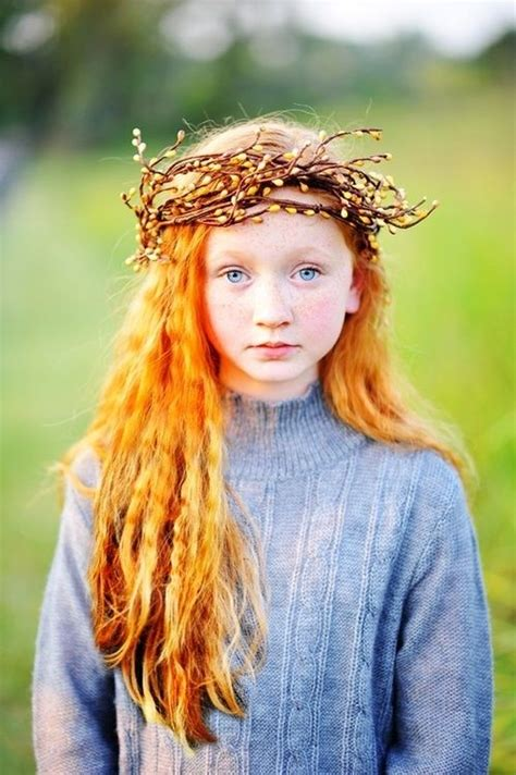 Red Hair Vigina   looks as tho there are some pussy willow branches woven
