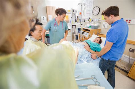 rooms to go delivery time giving birth in hospital stock image image of maternity delivery 37128411