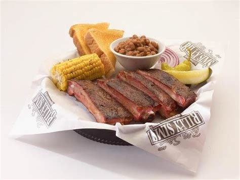 billy sims bbq american restaurant 2830 e 7th st in