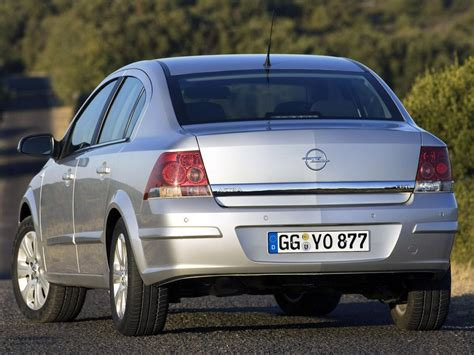 opel sedan opel astra h sedan 1 8i 16v 140 hp