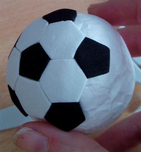 forrar pelota con goma eva apexwallpapers com pelota de futbol goma eva geles fofuchas
