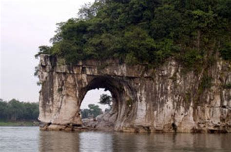 Private Guilin Half Day Tour including Li River, Reed ...