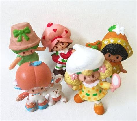 Figure Mainan Strawberry Shortcake Family 1000 images about 4 etc on strawberry shortcake toys and vintage strawberry