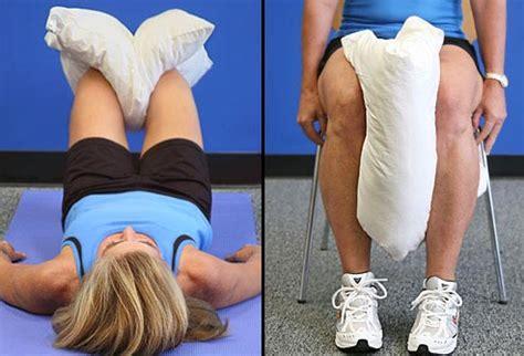 cuscino tra le gambe esercizi per alleviare il dolore alle ginocchia