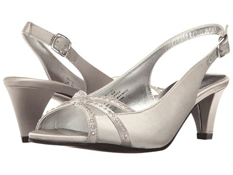 8 Advantages Of Flat Shoes Heels by Vintage Style Wedding Shoes Retro Inspired Shoes