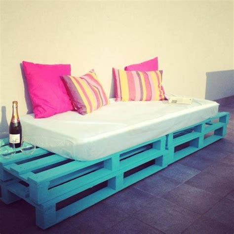 outdoor sectional daybed diy pallet sofa outdoor daybed 99 pallets