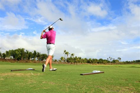 improve your golf swing at home 6 ways to improve your golf swing guyweek com