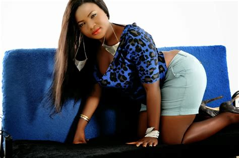 who is the actress with the big butt on liberty mutual ad evia simon photos of day celebrities nigeria