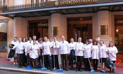 hotel de la ville lavoratori contro le esternalizzazioni