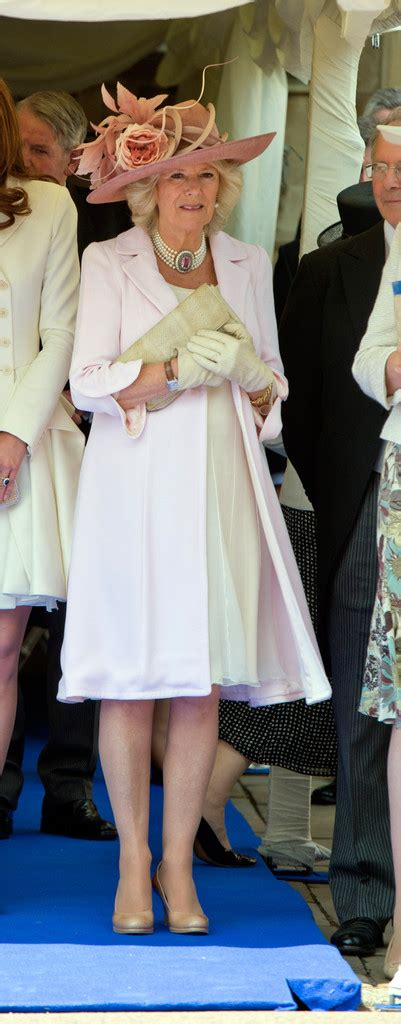 kate middleton receives royal order from queen elizabeth kate middleton photos photos queen elizabeth ii and