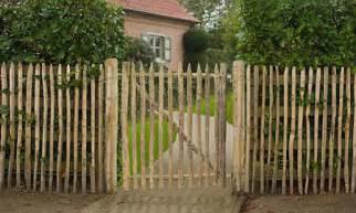 poser un portillon de jardin cl 244 ture de jardin