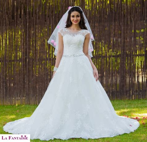 Marriage Gown by White Christian Wedding Gown In New Ranjeet Nagar New