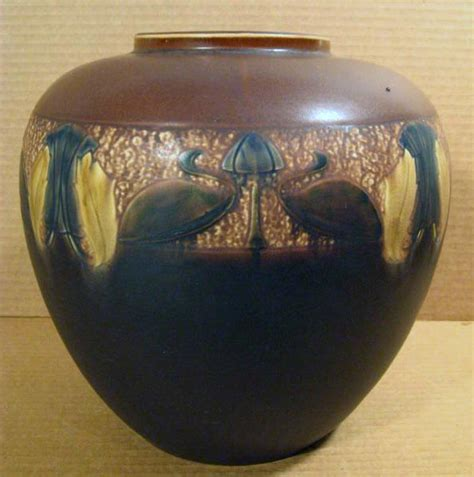 roseville pattern numbers roseville pottery priceguide