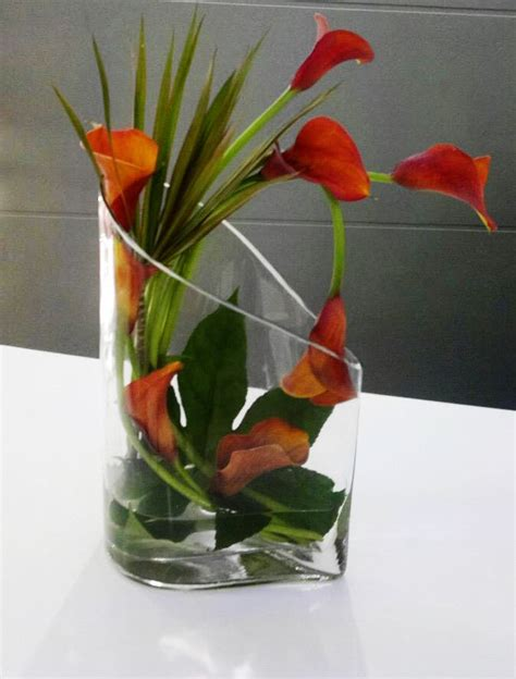 Modern Flower Arrangements In Vase by 17 Best Ideas About Calla Centerpieces On Calla Lillies Flower