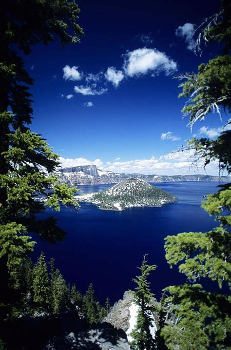15 most amazing and beautiful places in the world that you sweet macaw 15 amazing places to visit in oregon sweet macaw