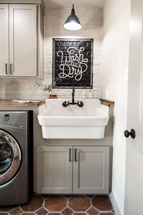 Laundry Room Utility Sink Best 25 Utility Sink Ideas On Pinterest Rustic Utility Sinks Farmhouse Utility Sinks And