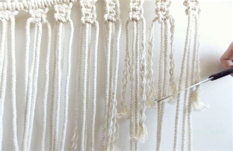 How To Macrame A Wall Hanging - diy macrame wall hanging a pair a spare