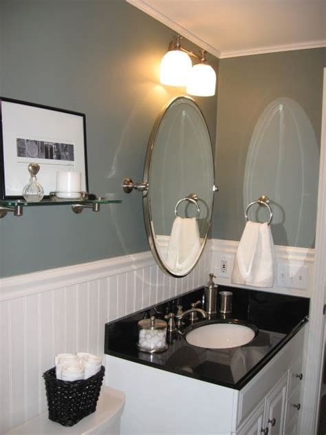 ideas for small bathrooms on a budget hgtv decorating on a budget small bathroom decorating