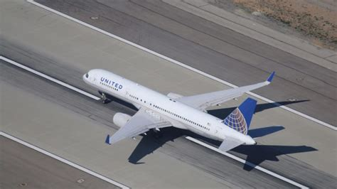 United Airlines Passenger Criminal Record United To Compensate On Flight That Was Dragged From