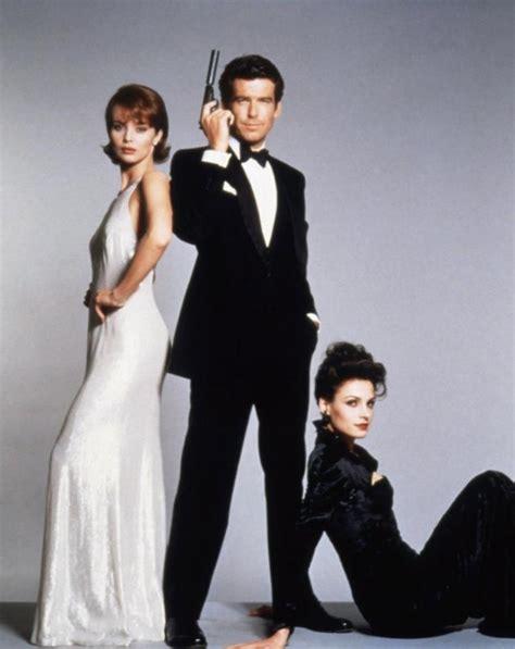 goldeneye review james bond goldeneye movie review goldeneye rallies back to old bond movies 1995 review