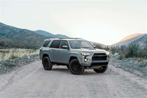 toyota 4runner 2017 black 2017 toyota 4runner trd pro test review motor trend
