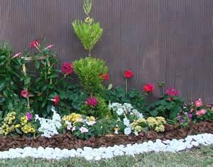 home depot jardineria 8 pasos para cuidar el jard 237 n de la maleza the home