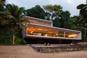 Modern Mansion Beach House Architecture by Modern Beach House On The Brazilian Coast Idesignarch