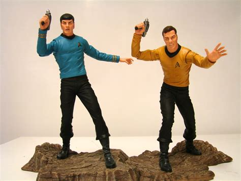 Figure A Original select s trek select spock and kirk exclusives heading to toys r us 171 pop critica