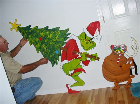 3 pc grinch stealing the christmas tree and max