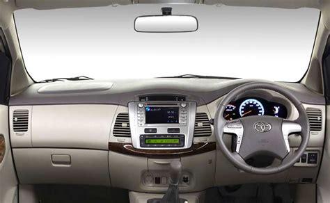 Toyota Innova Base Model Spec Comparison Toyota Innova 2016 Vs The Current Model