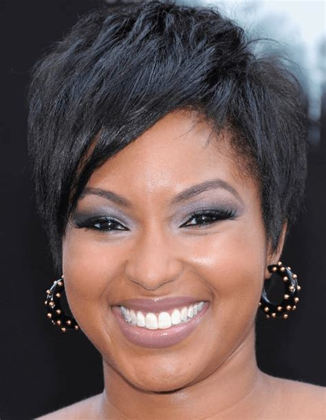 hairstyles for black women with square face trending
