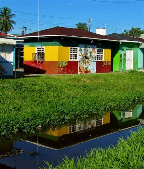 georgetown colors house in georgetown guyana painted in the colors of the