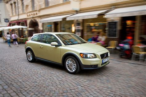 cheap volvo c30 cheap volvo c30 tyres with free mobile fitting etyres