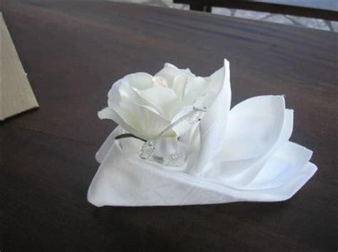 Pliage Serviette Tissu by Pliage De Serviette Tissu Avec Fleur S O S Decos