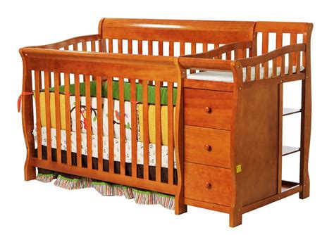 Drop Side Rail Crib by On Me On Me 3 In 1 Brody Convertible Crib With
