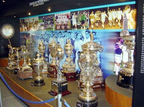 imagenes de trofeos del real madrid sala trofeos del real madrid aprenderespanolenmadrid