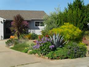 Drought tolerant low water use front yard contemporary landscape